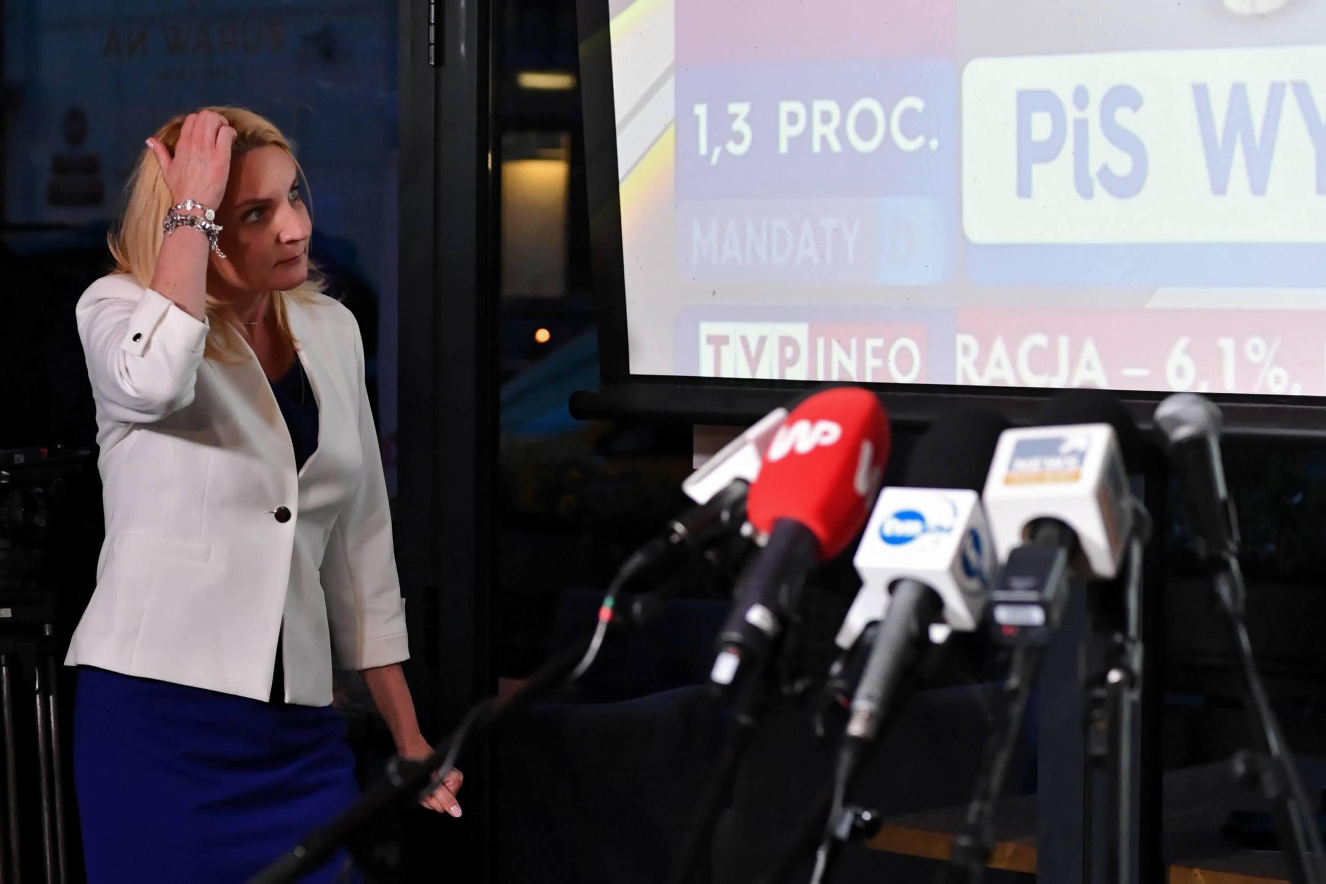 Posłanka Agnieszka Ścigaj w sztabie wyborczym Kukiz'15 w Warszawie